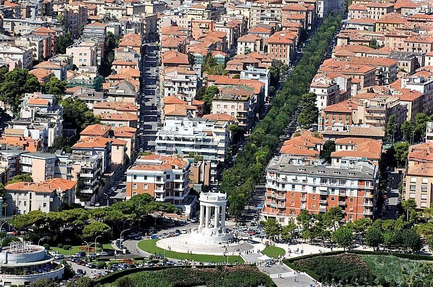 Ancona: popolazione in calo, crescono gli stranieri. Crollo delle unioni civili