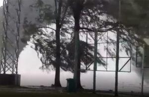 Alte onde per la tempesta Pabuk in Thailandia
