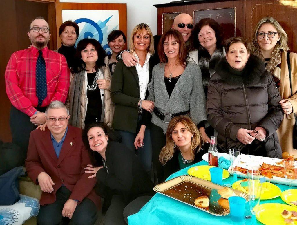 Il gruppo della Fondazione Salesi insieme al presidente operativo Antonello Maraldo