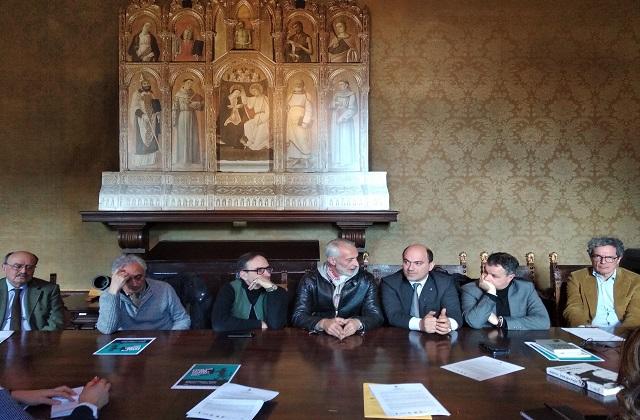 Da sinistra: il presidente del Filo d'oro Bartoli, il presidente del Campana Biscarini, i curatori Marziani e Antonelli, il sindaco Pugnaloni, il vice Pellegrini e l'onorevole Folena