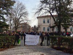 Gli studenti di Fabriano in assemblea ai giardini pubblici