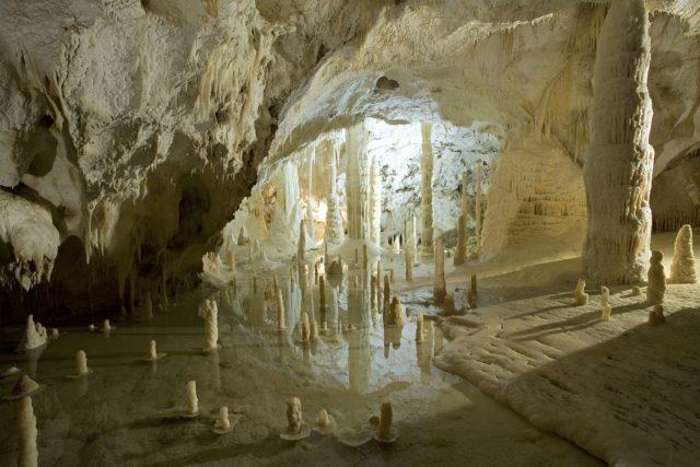 Sala Candeline, Grotte di Frasassi