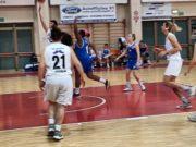 Un momento della gara Basket 2000-Spoleto