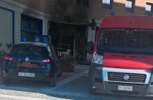 Vigili del fuoco e carabinieri al sopralluogo