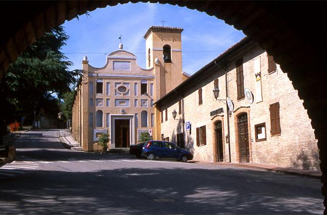 Anche Castelleone di Suasa esulta per lo stop definitivo al maxi allevamento Fileni
