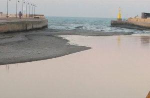 L'isolotto di ghiaia alla foce del fiume Misa, a Senigallia