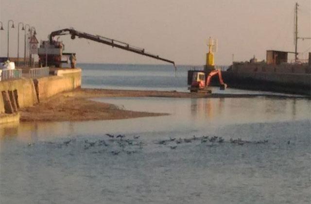 lavori alla foce del fiume Misa di Senigallia