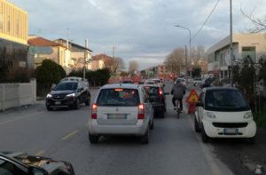 Traffico e disagi in zona Cesanella
