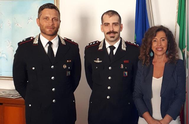 Il sindaco Signorini e i carabinieri della Tenenza di Falconara