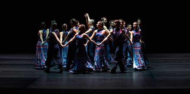 """Lo spettacolo di danza """"The Thread"""""""