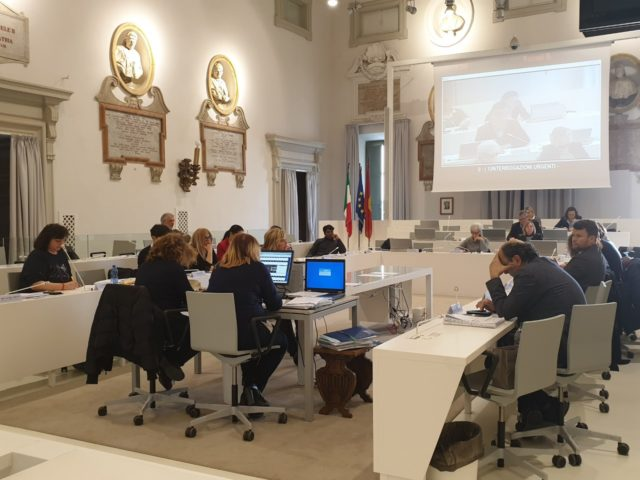 La seduta del Consiglio comunale ad Ancona