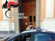 I carabinieri davanti alla Chiesa