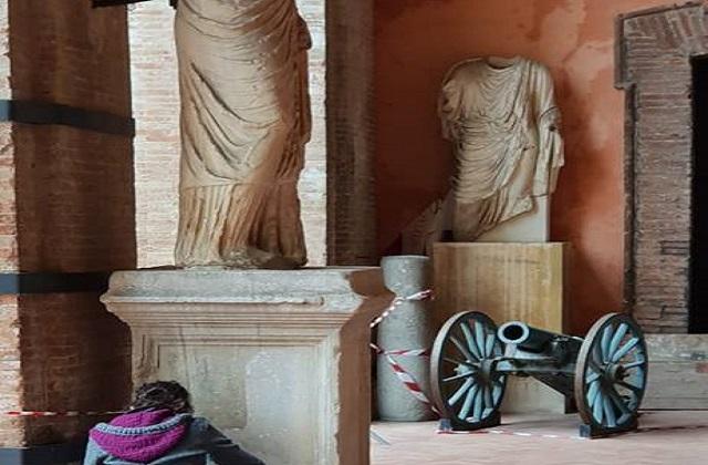Osimo, un museo nell'atrio comunale
