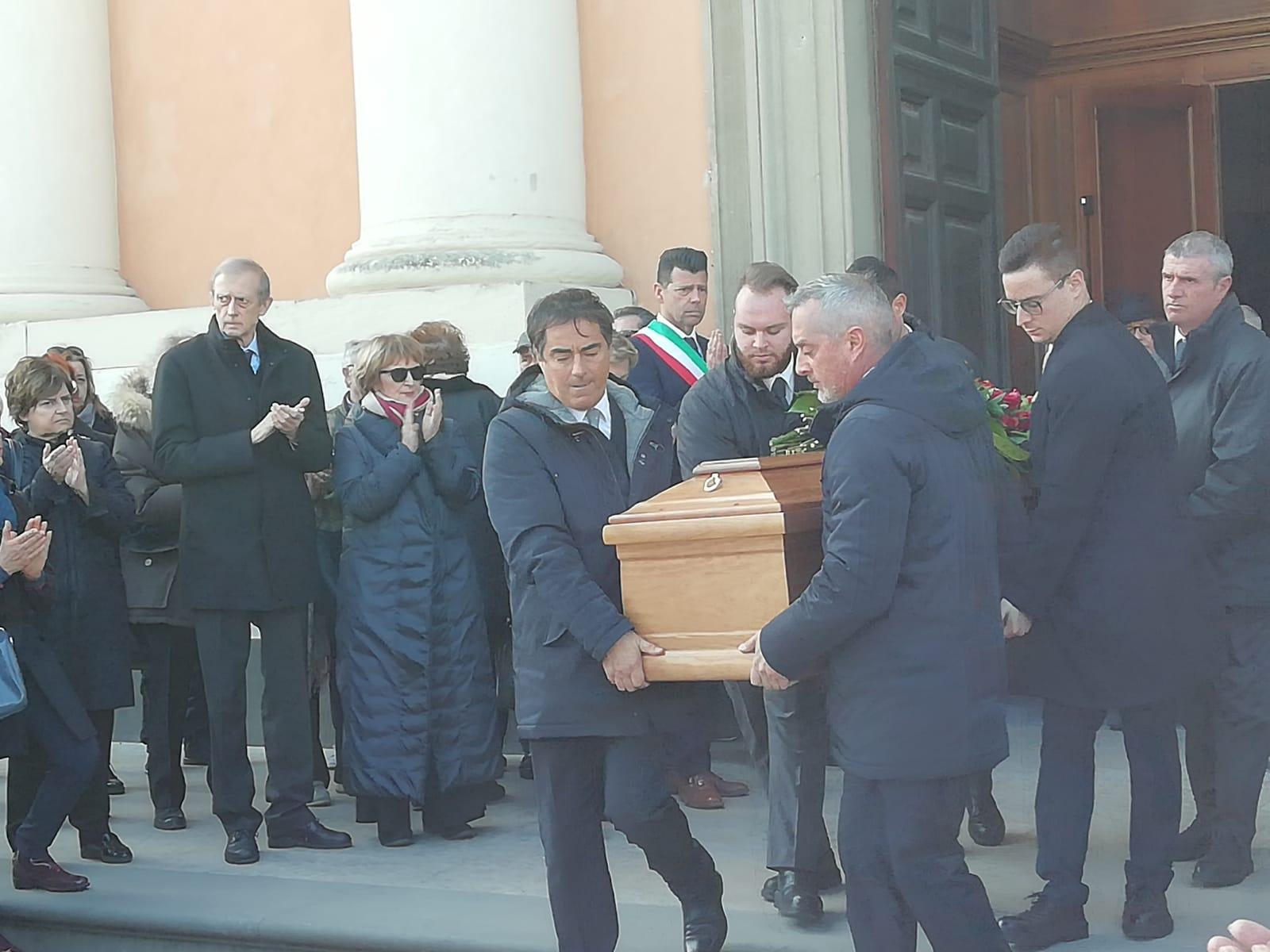 Anche l'amico Piero Fassino al funerale di Bugatti