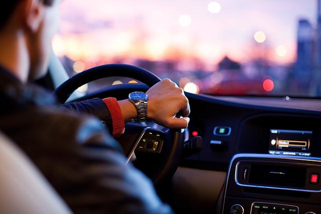 Auto a guida autonoma. E se venissero hackerate?