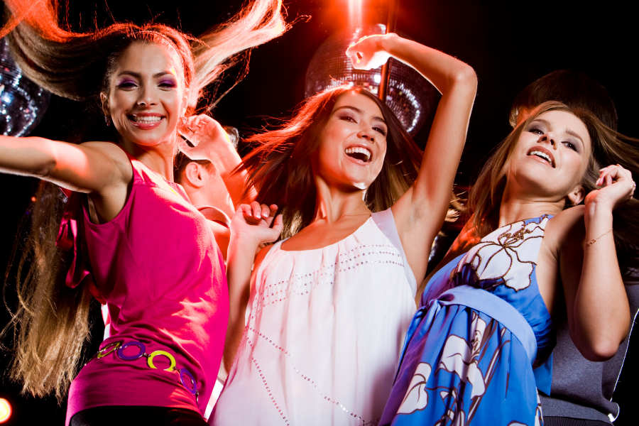 8 marzo, donne in festa al Paradise