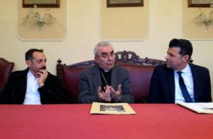 Da sinistra il regista Sandro Fabiani, il vescovo Francesco Manenti, il sindaco Maurizio Mangialardi