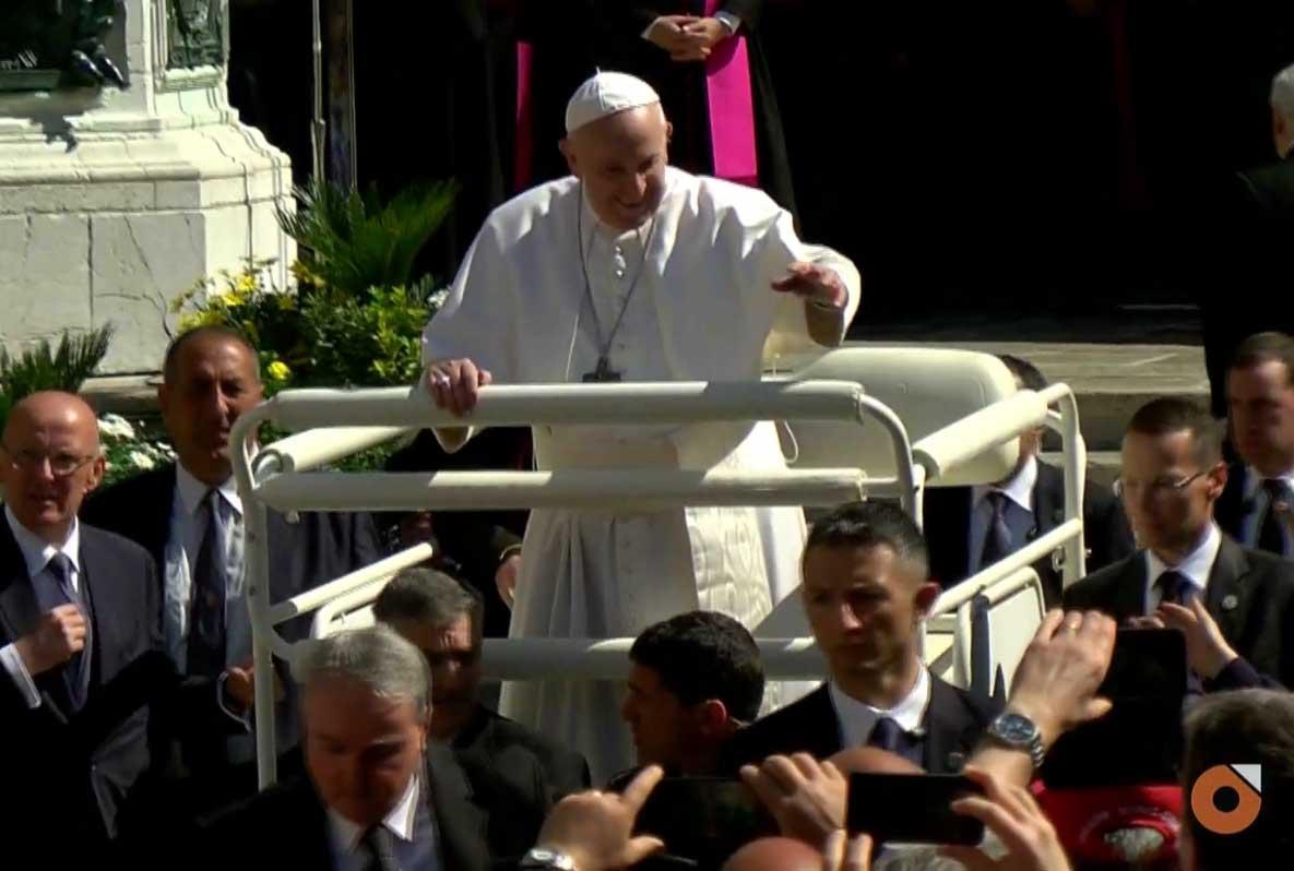 Papa Bergoglio incontra i familiari delle vittime della Lanterna Azzurra di Corinaldo