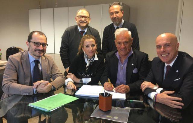 In prima fila da sinistra: Antonio Draisci, Maria Capaldo, Michele Caporossi, Antonello Maraldo. Dietro da sinistra Alfredo Cordoni e Edoardo Berselli