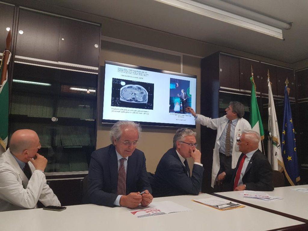 Il professor Andrea Giovagnoni illustra gli avanzamenti della radiologia negli ultimi anni