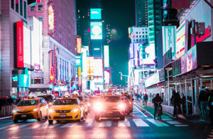 Auto e traffico a Times Square, New York