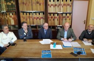 I vertici della Fondazione Opera Pia Mastai Ferretti di Senigallia. Da sinistra: Rodolfo Piazzai, Giovanni Tinti, Vittorio Sgreccia (direttore sanitario), Mario Vichi (presidente) e Silvano Paradisi
