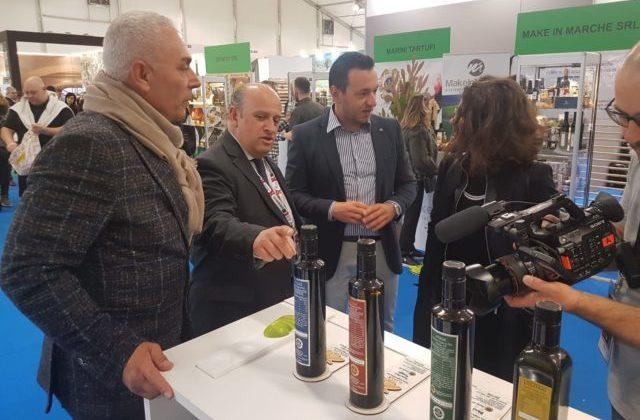A Verona con i produttori delle Marche, Sabatini: «Guardare all'e-commerce per far crescere l'export»