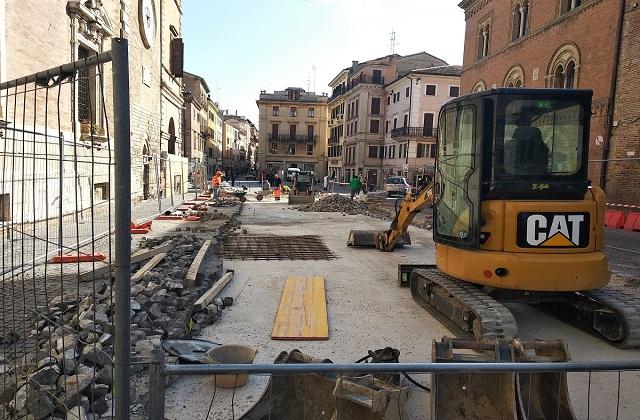 Osimo, domani ripartono i lavori in centro