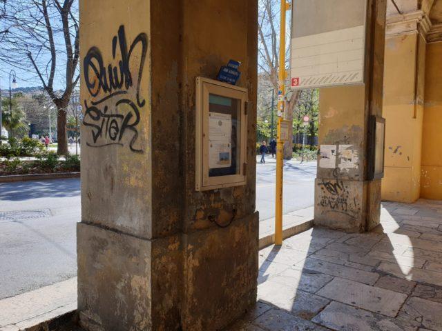 In arrivo i crocieristi. Tour tra degrado, buche e transenne nel centro di Ancona (FOTO)