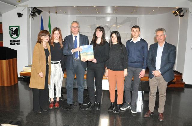 La premiazione in Regione degli studenti del liceo classico Giulio Perticari di Senigallia