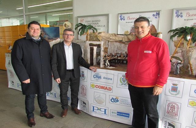 Da sinistra: l'assessore al Turismo di Loreto Fausto Pirchio, il presidente della Cna di zona Sud di Ancona Marco Tiranti e Conad