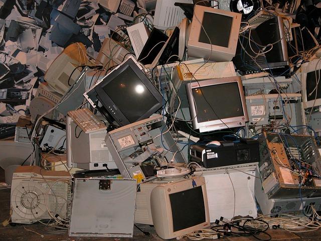 I computer sono tra i principali rifiuti elettronici (Raee) buttati ogni anno