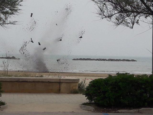 Bonificato l'ordigno rinvenuto in spiaggia a Senigallia
