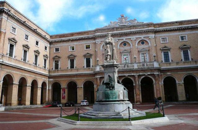 Il Covid non ferma la cultura a Recanati: spettacoli in streaming e fondi straordinari