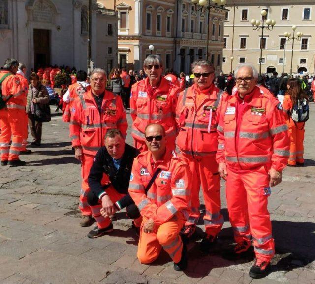 I volontari della Croce Gialla a L'Aquila
