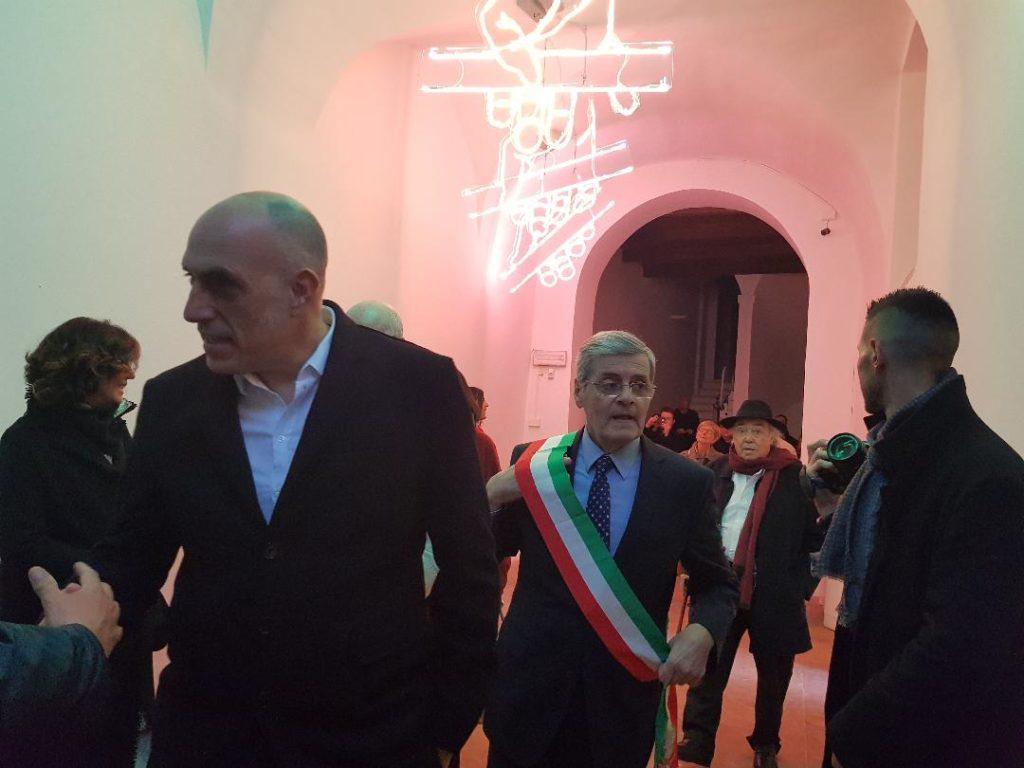 Il presidente di Elica Francesco Casoli e il sindaco di Serra San Quirico Tommaso Borri