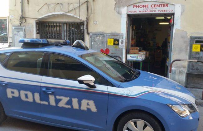 La polizia chiude il Phone Center di piazza Ugo Bassi