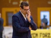 Coach Alessandro Fantozzi non sarà l'allenatore della Janus Fabriano nella prossima stagione