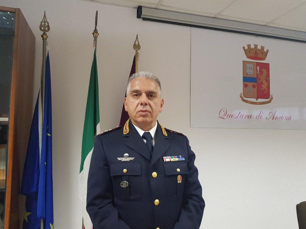Il capo della Squadra Mobile Carlo Pinto
