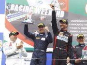 Simone Riccitelli e Sabino De Castro sul gradino più alto del podio a Vallelunga