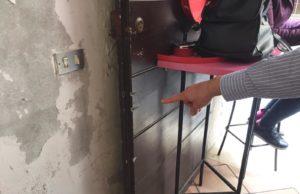 La porta forzata alla caffetteria