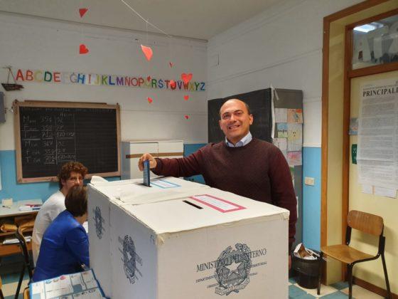 Il sindaco uscente Simone Pugnaloni al voto