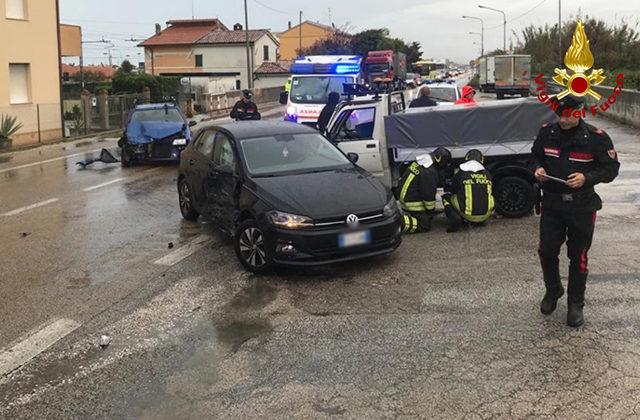 Uno dei due incidenti avvenuti a Montemarciano: i soccorsi