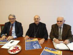 Da sin. Marino Cesaroni, direttore di Presenza, l'arcivescovo Angelo Spina, Giancarlo Galeazzi, direttore dell'Ufficio diocesano per la cultura