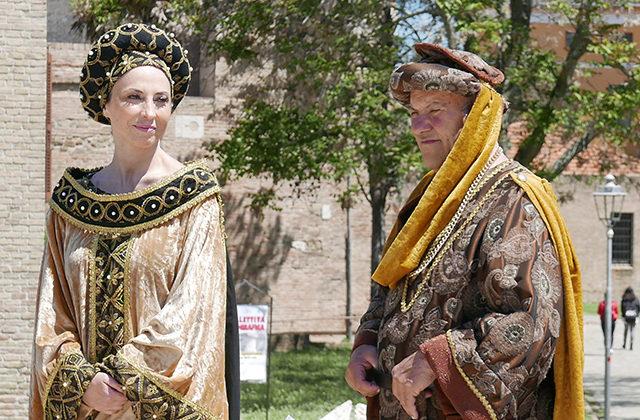 I figuranti del gruppo storico La Castellana di Scapezzano