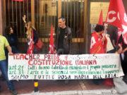 Lo striscione contro la sospensione della prof di Palermo Rosa Maria Dell'Aria