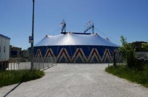 """Il circo """"Royal Circus"""" a Villa Torlonia di Senigallia"""