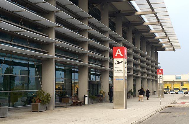 L'aeroporto R.Sanzio a Falconara