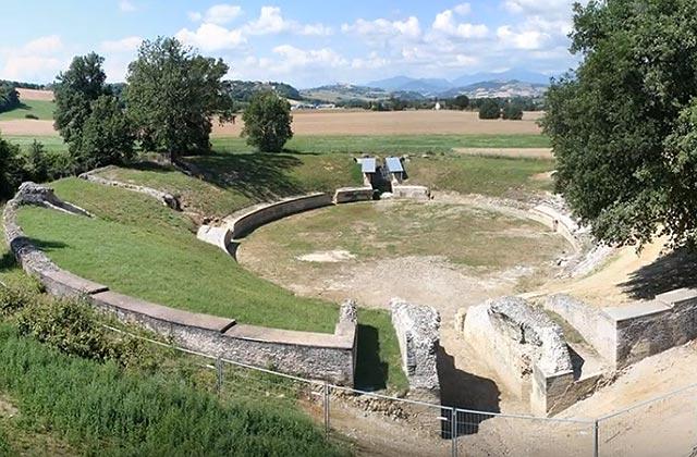 L'anfiteatro della Città Romana di Suasa