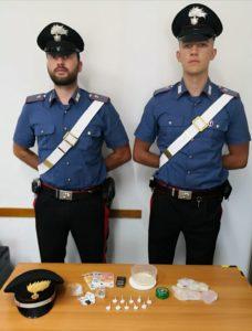 I carabinieri di Marotta con la droga sequestrata